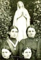 Convent class 1911 detail